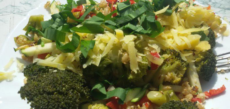 Broccoli mit Reis und Gemüse
